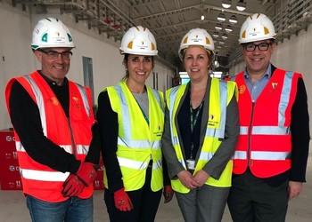 MP Jeremy Quin visits Kilnwood Vale primary School